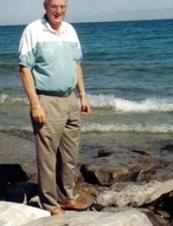 John 74 y.o. from Canada